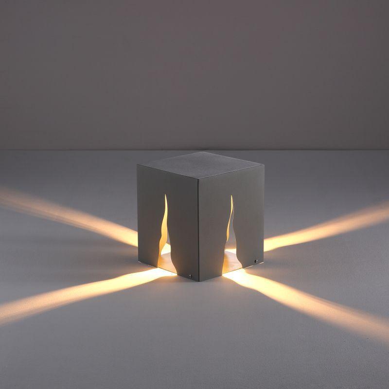 LFL050 4 watt low level outdoor bollard post light